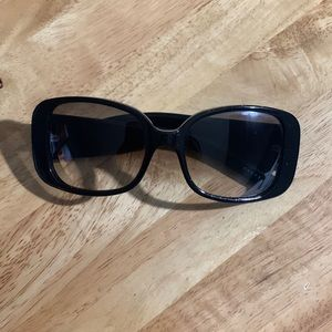 Oversized Authentic Black Gucci Sunglasses
